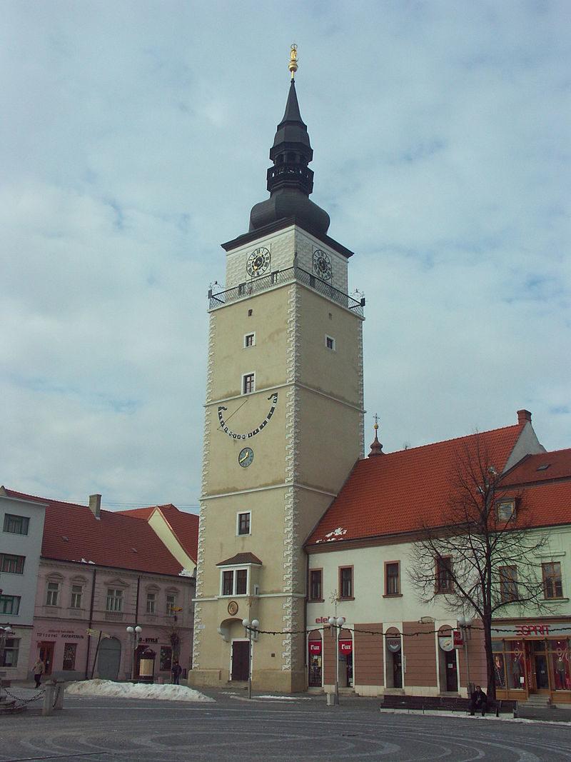 800px-Slovakia-Trnava-Mestska_veza